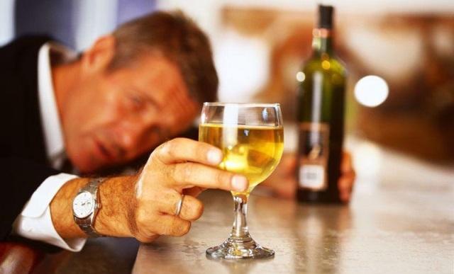 Папа пьет каждый день