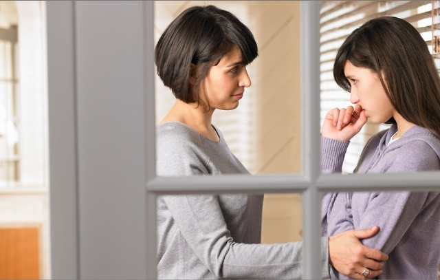 Разговор матери с дочерью о наркотиках