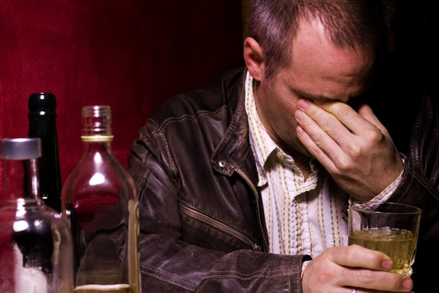 Что делать, если отец пьет?