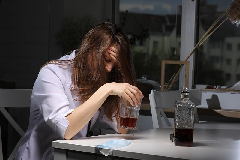 Анонимное лечение алкоголизма у женщин в Москве